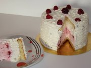 Cake with raspberry and white chocolate mousse